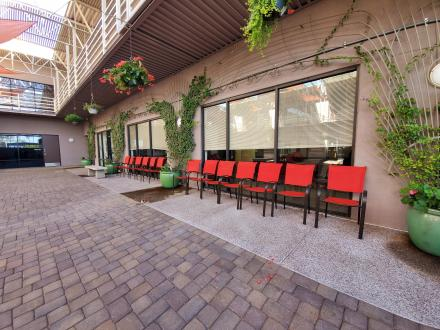 a-better-today-recovery-services-outpatient-courtyard